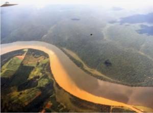 Impact de l'agriculture moderne sur la couleur de l'eau des rivières