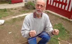 radiesthésie, comment trouver de l'eau avec des baguettes en fil de fer