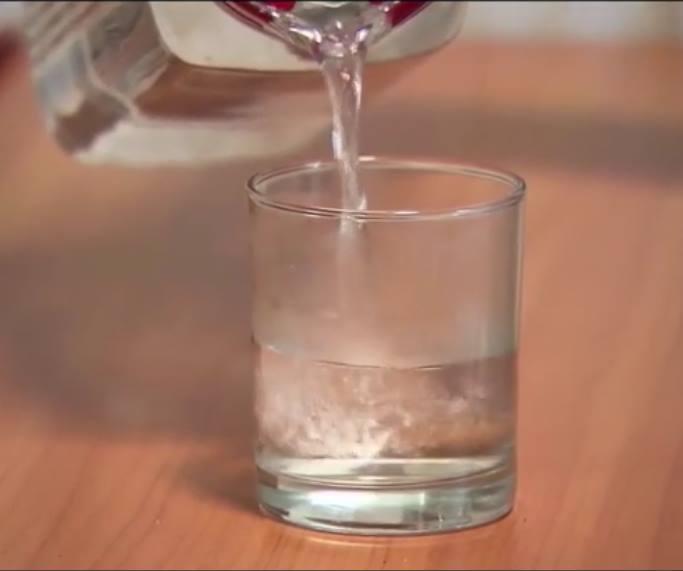 Jeûne thérapeuthique, verre d'eau